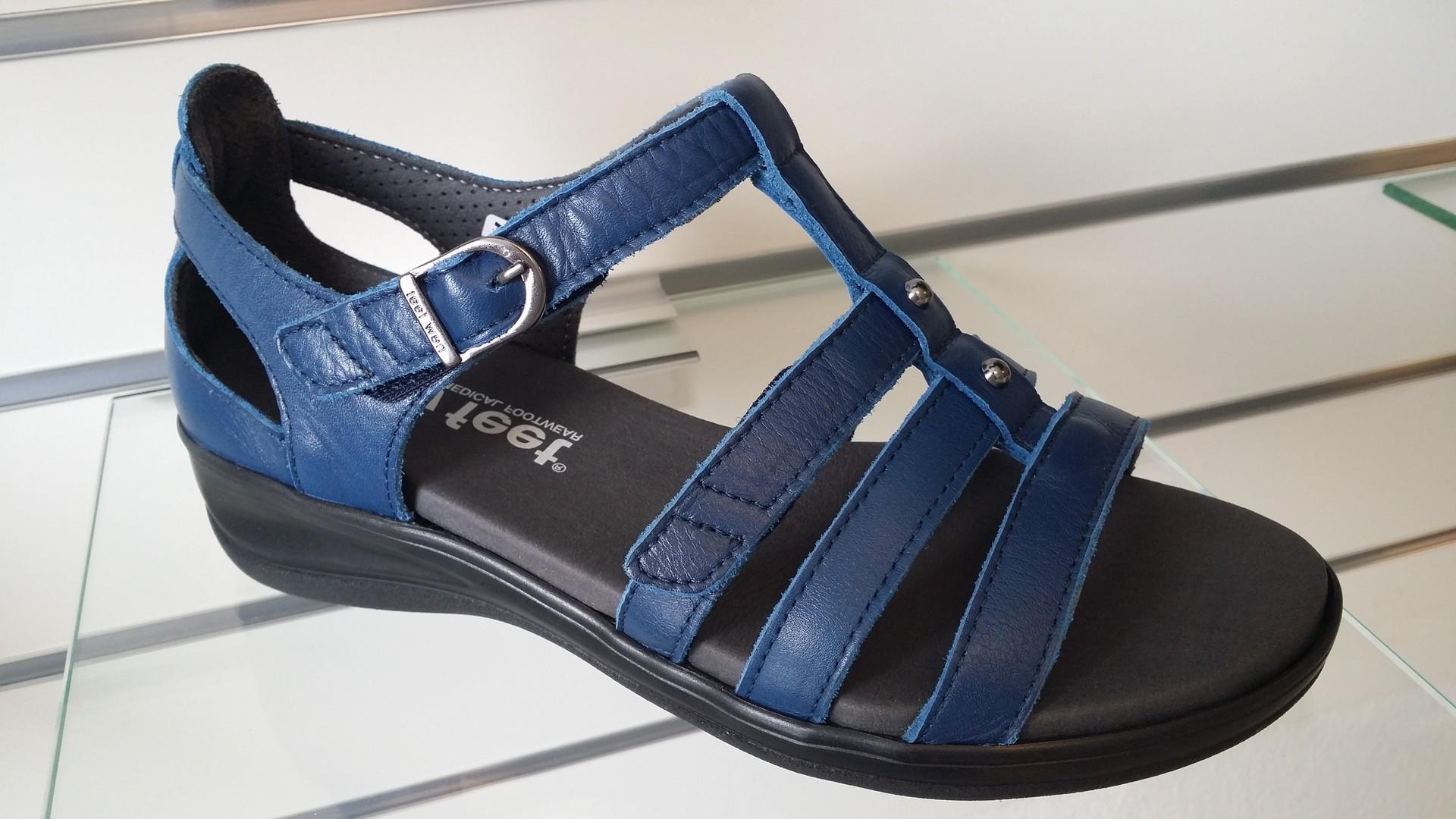 new_feet08a